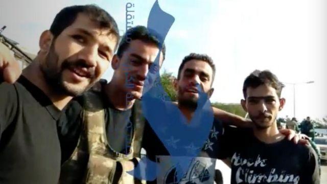 Azerbaycan'da dört Suriyeli'yi, Suriye Ulusal Ordusu'na ait bir şarkıyı dinlerken görüntüleyen bu video Jesr News adlı Suriye haber sitesi tarafından internete konmuştu