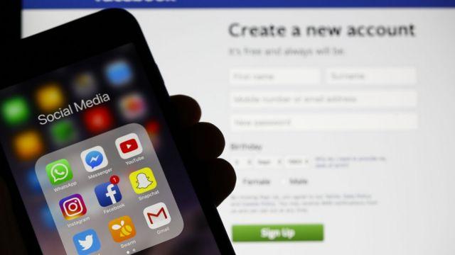 Apps de redes sociales en un teléfono inteligente.