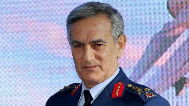 El exgeneral Gen Akin Ozturk es uno de los militares de alto rango acusado de traición, aunque negó las acusaciones de organizar el intento de golpe de estado.