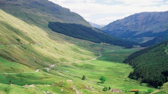 VisitScotland survey finds tourists drawn by 'friendly Scots'