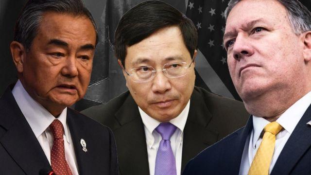 Theo nhà báo David Hutt căng thẳng giữa Mỹ và Trung Quốc khiến Việt Nam ở thế tiến thoái lưỡng nan