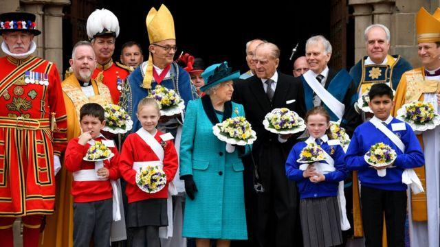สมเด็จพระราชินีนาถเอลิซาเบธที่สองทรงเป็นประมุขสูงสุดของคริสตจักรอังกฤษในปัจจุบัน