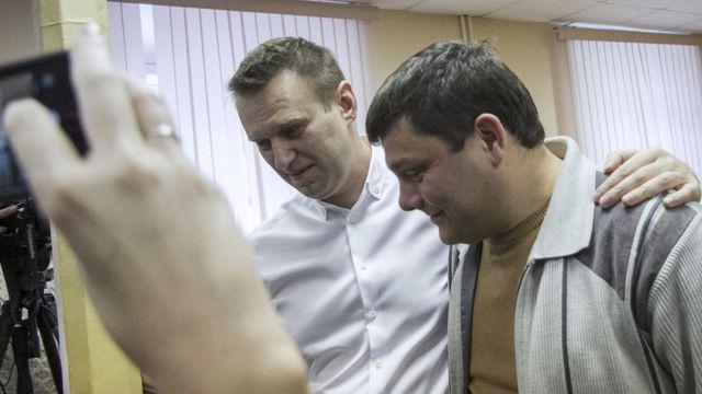 Офицеров и Навальный