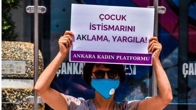 Ankara'da çocuk istismarına karşı protestolardan bir kare
