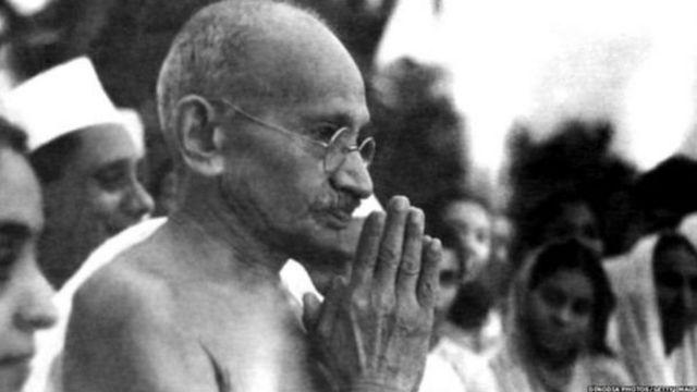 पंतप्रधान नरेंद्र मोदी, महात्मा गांधी