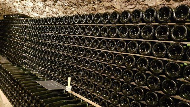 Botellas de champaña