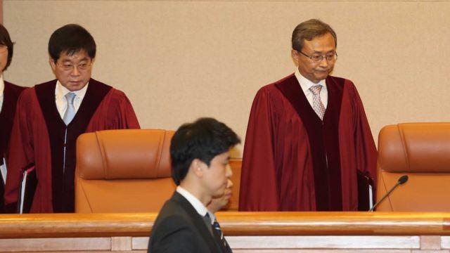 (캡션) '낙태죄'가 헌법에 어긋나는지 판단하는 헌법재판소