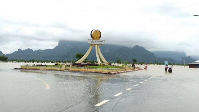 သြဂုတ်လအတွင်းကတွေ့ရတဲ့ ဘားအံမြို့အဝင် ရေကြီးနေမှုမြင်ကွင်း