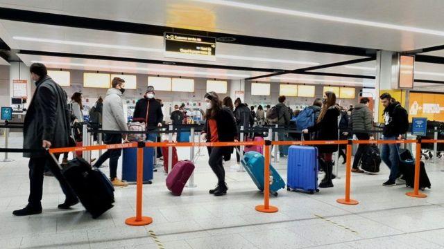 หลายประเทศประกาศข้อห้ามในการเดินทาง ท่ามกลางความกังวลเกี่ยวกับไวรัสโคโรนาสายพันธุ์ใหม่