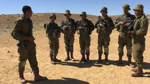 مجندون إسرائيليون من عرب إسرائيل يتدربون في صحراء النقب