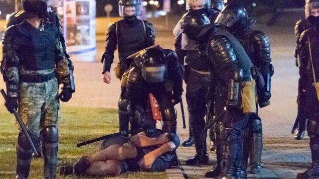 Belarus'ta Lukaşenko'nun seçimleri kazandığı açıklandı, protestolarda 3 bin kişi gözaltına alındı