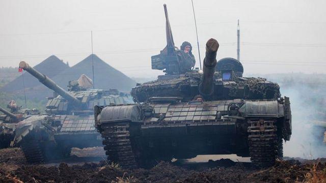 Pro-Russian separatist tanks in Donetsk region, Sep 2015 file pic