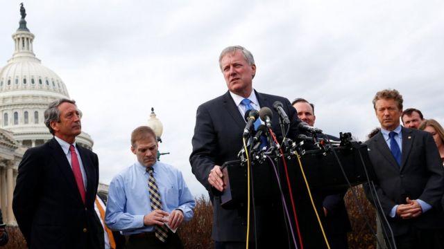 Mark Meadws junto a otros congresistas del Freedom Caucus.