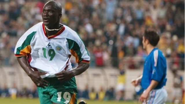 Papa Bouba Diop death: Senegalese first goal scorer for 2002 World Cup Diop don die - BBC News Pidgin