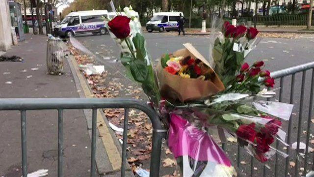 Flowers in Paris, 14 November 2015