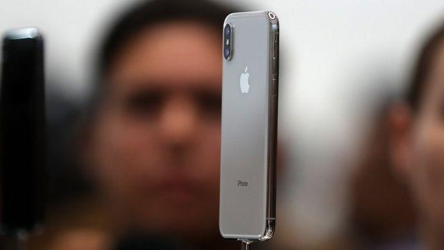 आईफ़ोन X