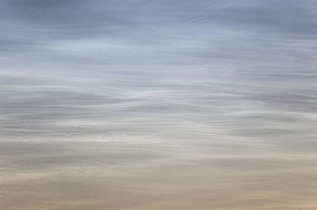 Olas silenciosas en el cielo: nube mesosférica polar de Mikko Silvola