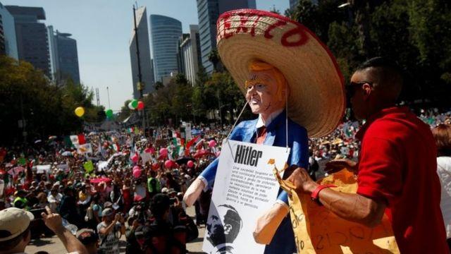 Meksika'da Trump aleyine gösteriler düzenlendi.