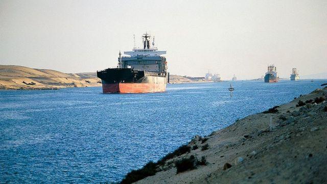 Минулого року Суецьким каналом проходило в середньому понад 50 кораблів щодня