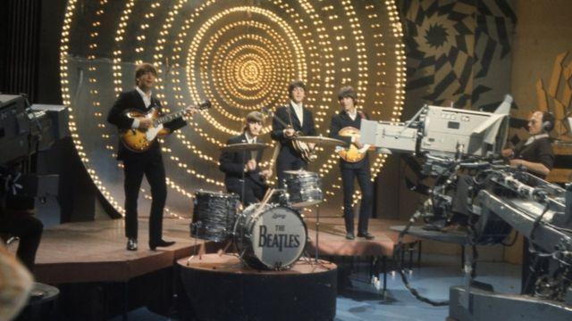 Beatles em apresentação na BBC em 1966