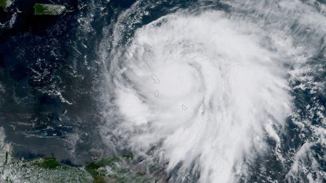 Imagem do furacão Maria visto do espaço