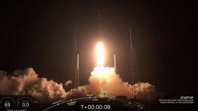This video grab taken from the Space X webcast transmission on May 23, 2019, shows a SpaceX Falcon 9 rocket with 60 Starlink satelites lifting off from Space Launch Complex 40 (SLC-40) at Cape Canaveral Air Force Station, Florida