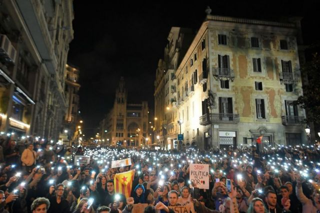 Protesters outside of the police station in Barcelona