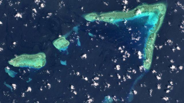 Ảnh chụp từ trên không của đá Ba Đầu, Quần đảo Trường Sa, Biển Đông ngày 19/3/2021