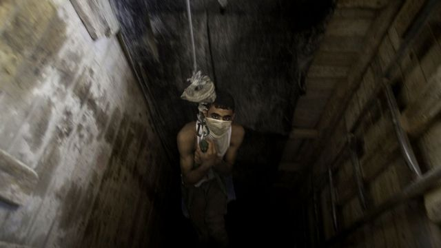 Túnel bajo la frontera de la Franja de Gaza con Egipto, 2020
