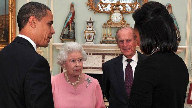 """Barack iyo Michelle Obama oo sheegay """"Iney waayeen shaqsi ay xiisi doonaan"""""""