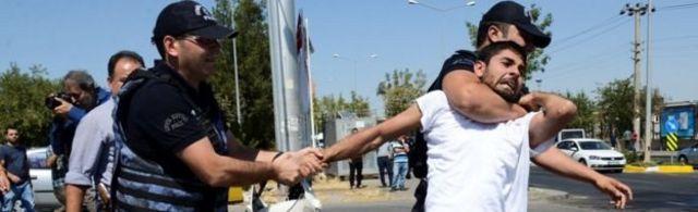 Près de 4.000 enseignants ont été suspendus dans la ville de Diyarbakir