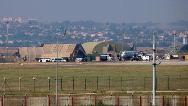 La Base Aérea de Incirlik fue bloqueada por autoridades turcas y se le cortó el suministro de electricidad.