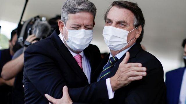Arthur Lira com Bolsonaro em março