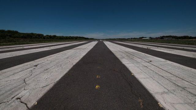 """Vários """"voos da morte"""" teriam decolado desta pista em Campo de Mayo, em Buenos Aires"""