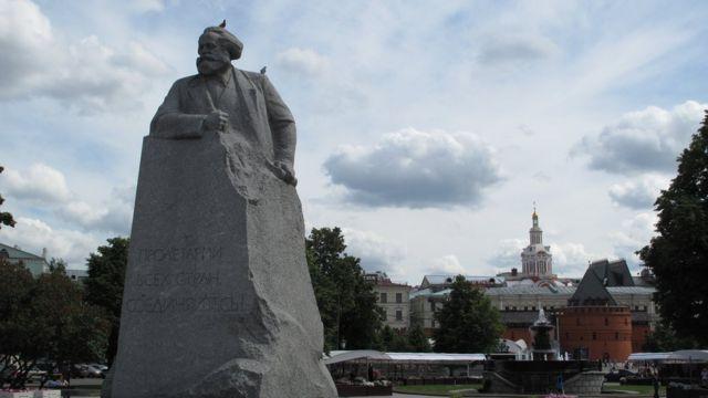 Estátua de Karl Marx em Moscou Foto Fred Adler/BBC