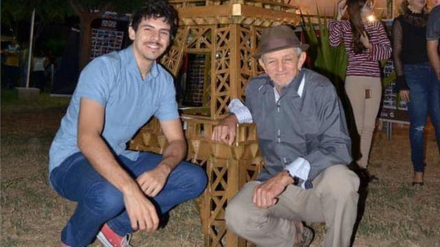 Jefferson Sousa e Bastião posam pra foto
