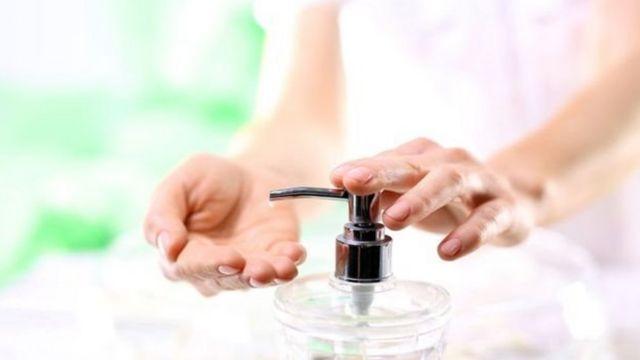 साबुन से हाथ धोना