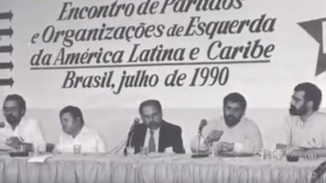 Primeira reunião do Foro de São Paulo, em 1990, em São Paulo. Lula, idealizador do encontro, é o segundo da direita para a esquerda