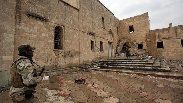 IŞİD, Musul'daki pek çok Hırıistiyan yerleşimini zarar verdi.