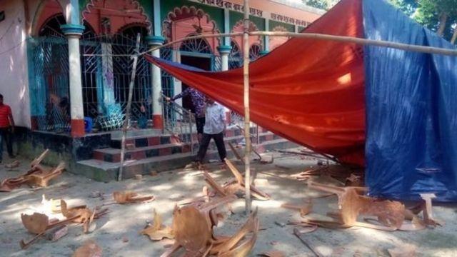 बांग्लादेश में मंदिरों पर हमला