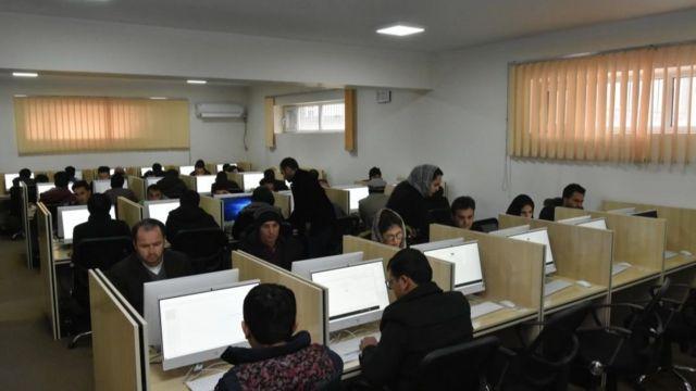 برگزاری امتحان کامپیوتری نیز نتوانسته مشکل روند استخدام را حل کند