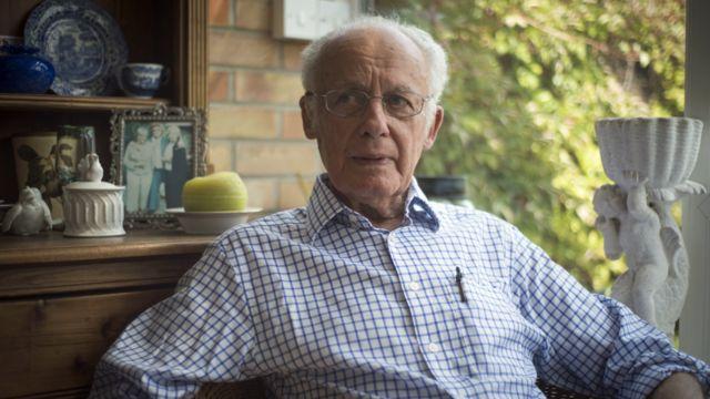 تونی لی تیسیر، آخرین مدیر بریتانیایی زندان اشپانداو