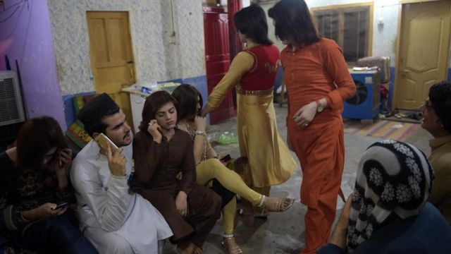 Proteges getting ready to go out at Naina's house