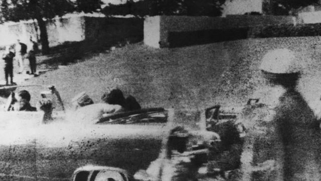 Tổng thống JF Kennedy bị ám sát ngày 22/11 cũng trong năm 1963