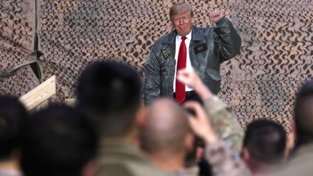 Donald Trump kürsüde