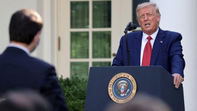 """特朗普形容针对香港的制裁""""移除了一个竞争对手"""",对美国有利。"""