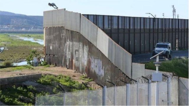 दीवार