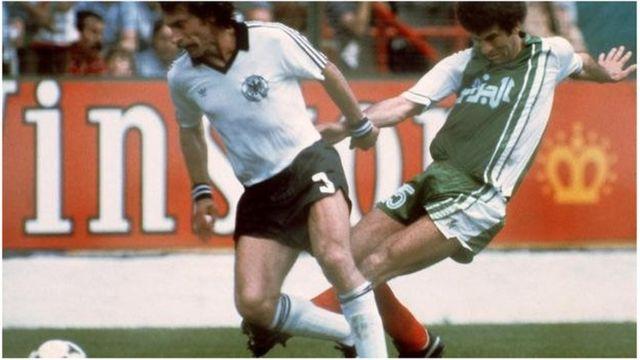 Le triomphe de l'Algérie sur l'Allemagne de l'Ouest en Espagne, en 1982, est la première victoire d'une équipe africaine en Coupe du monde.