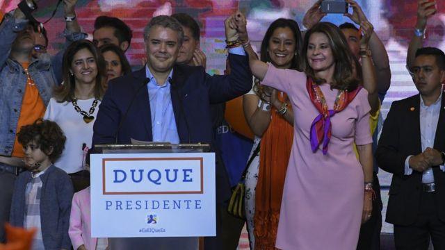 Kolombiya'da yapılan başkanlık seçimleri, sağcı aday Ivan Duque