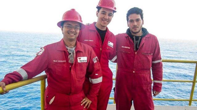 عمال من عدة جنسيات في الاسكندرية